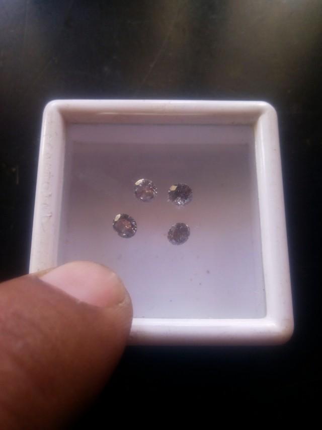 NATURAL BLACK DIAMOND-4.2MM,0.30CTWSIZE-4PCSLOT