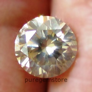 CERTIFIED 0.65ct 5.4mm Light Brown DIAMOND