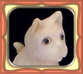 CARVING - HANDCARVED SHED ALASKIN MOOSE ANTLER CAT