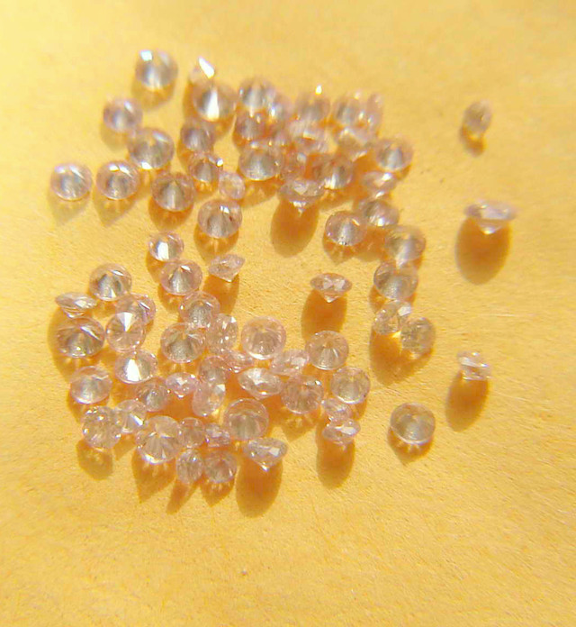 NAT -RAREST-ARGYLE-HOT-PINKDIAMONDLOT-1.5MMSIZE-1CTWLOT,NR