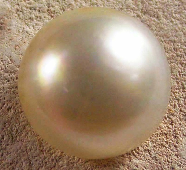 WHITE MABE  -INDONESIA 4.70 CTS [PF1996]