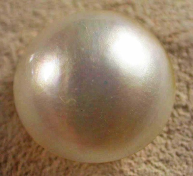 WHITE MABE  -INDONESIA 4.50 CTS [PF1999]