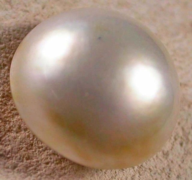 WHITE MABE  -INDONESIA 4.95 CTS [PF2004]