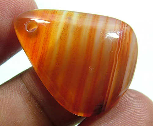 AGATE DRILLED 20.75 CTS  NP-1169