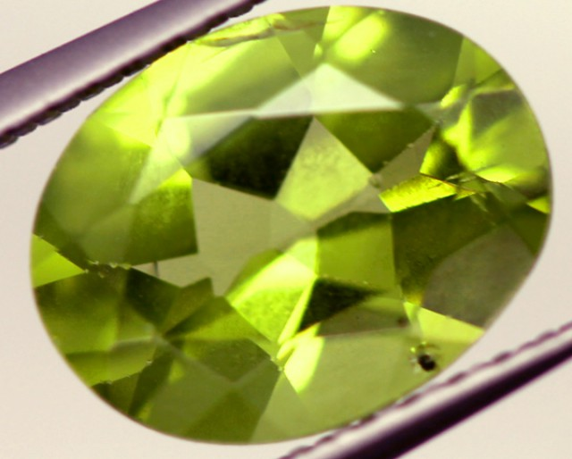 PERIDOT FACETED STONE 1.90 CTS PG-820