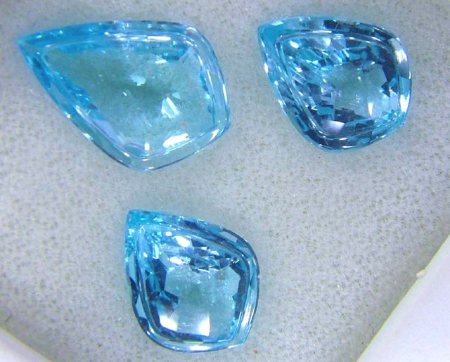12.48 CTS  3PCS SWISS BLUE TOPAZ SPECIAL CUT FACETED  SG-2240 GC