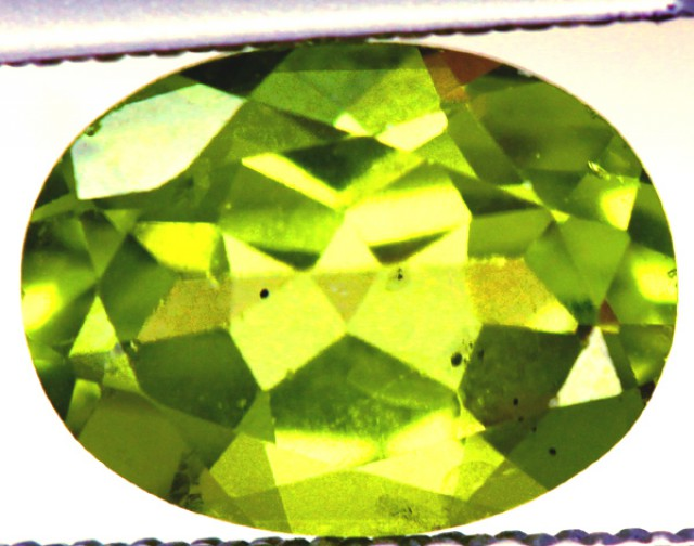 PERIDOT FACETED STONE  2.05 CTS PG-828