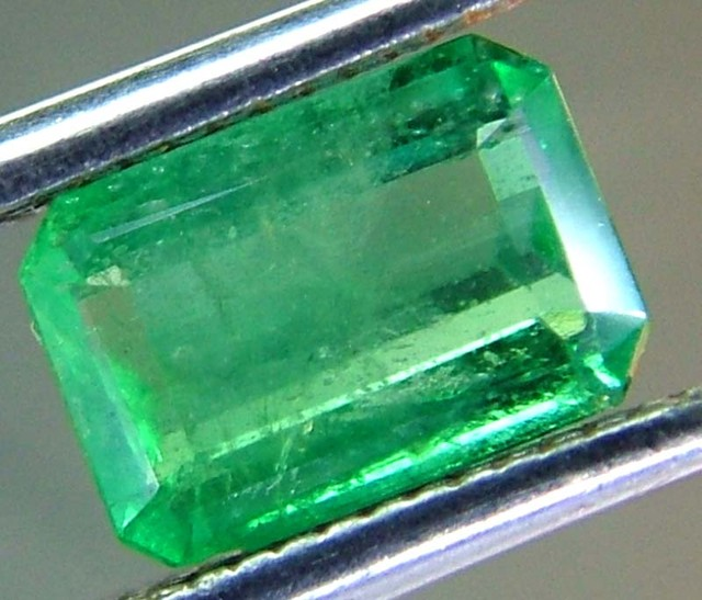 EMERALD FACETED BRAZIL  .86 CTS  AS-A3211