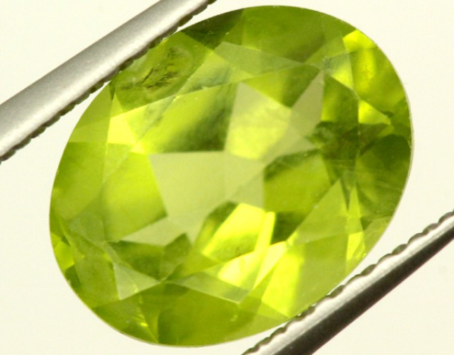 PERIDOT FACETED STONE 2 CTS PG-947