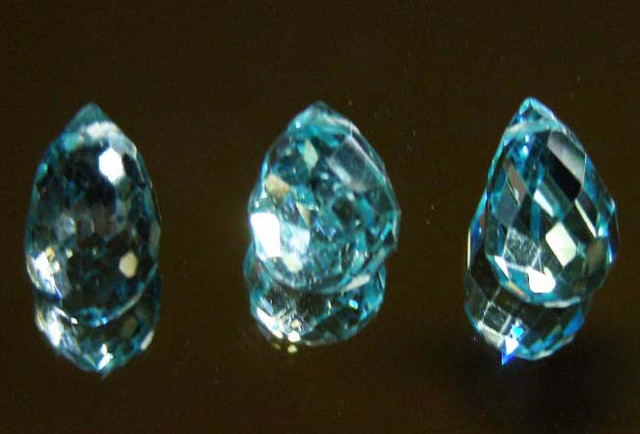FACETED SWISS TOPAZ PARCEL  11.82 CTS  90238