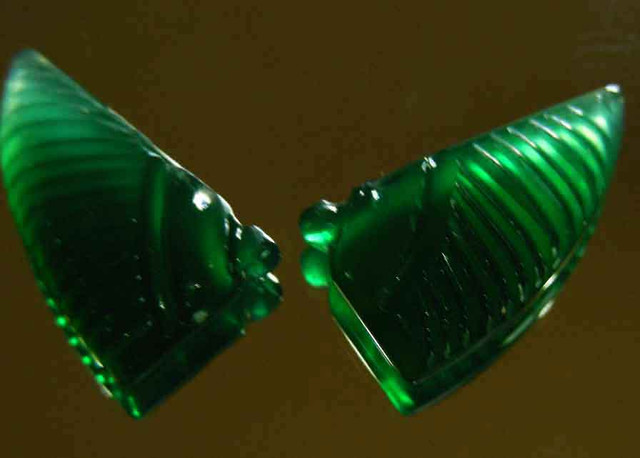 NATURAL GREEN ONYX CARVINGS 20.00 CTS 90082