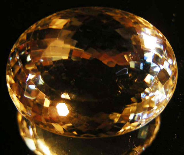 BEAUTIFUL ROYAL INDIAN SILKY TOPAZ  56.75 CTS  90148