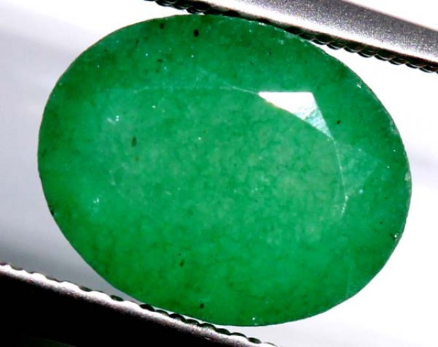 3.11 cts AVENTURINE FACETED EMERALD GREEN  PG-739