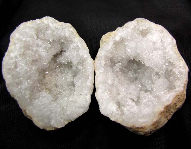 CRYSTAL ROCK FROM MOROCCO 777.50 CTS OPMY 70