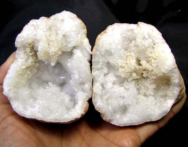 CRYSTAL ROCK FROM MOROCCO 1258.50 CTS OPMY 90