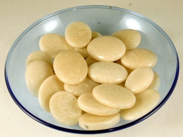 Bulk lot of 25 Pc Moon Stone cabochons 250 gram