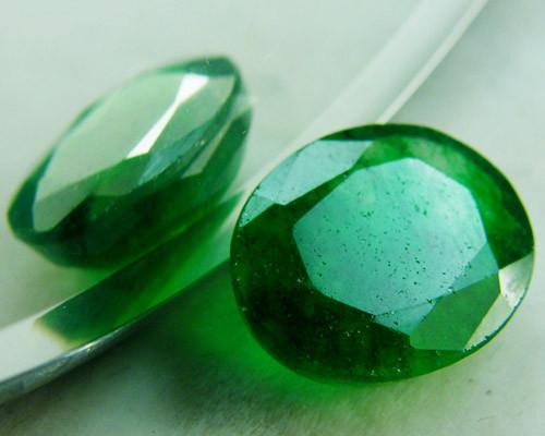Quartz Emerald Green colour  4.05   carats   QU136