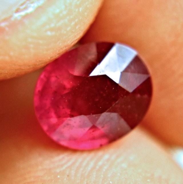 2.71 Carat VS Ruby - Gorgeous Pigeon Blood Color - Superb