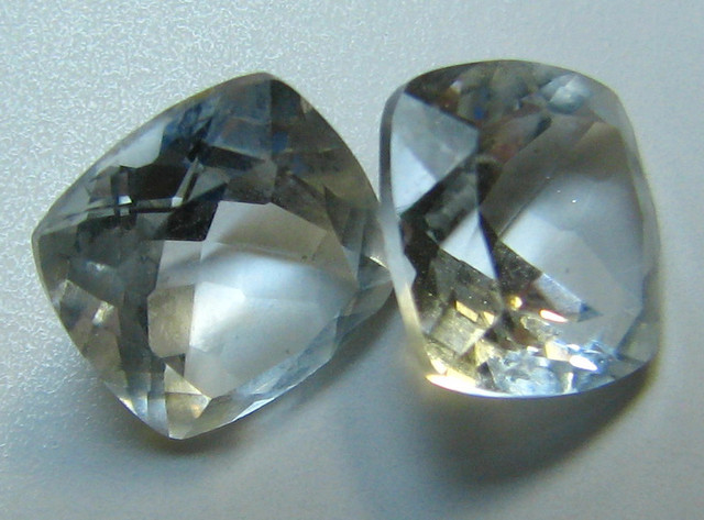 WHITE TOPAZ 2 PIECES 5.35  CTS  CUSHION CUT