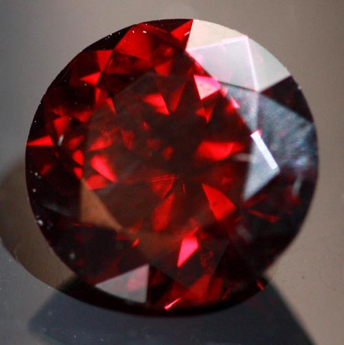 8.36 CTS CERTIFIED NATURAL RED  ZIRCON VVS   [S6082]