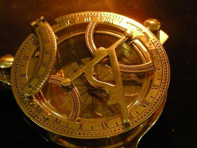 ANTIQUE  GOLD PLATED COMPASS WEST LONDON 18TH Cent