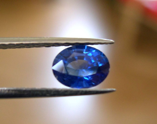 BEAUTIFUL CERTIFIED NATURAL SAPPHIRE 1,125ct