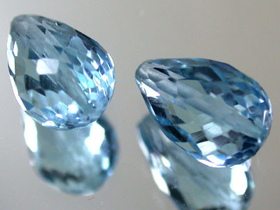 PAIR BLUE TOPAZ BEAD  PEAR SHAPE 5.50 CTS  GW 1478