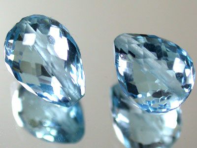 PAIR BLUE TOPAZ BEAD  PEAR SHAPE 5.20 CTS  GW 1486