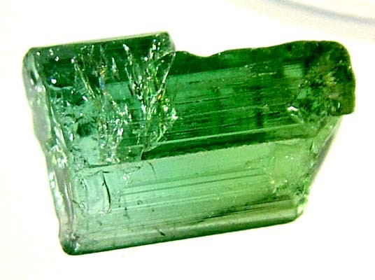 TOURMALINE ROUGH 4.95 CTS FN 61 (L0-GR)
