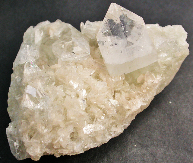 437.95 CTS CRYSTAL SPECIMEN FROM INDIA [MGW1090]