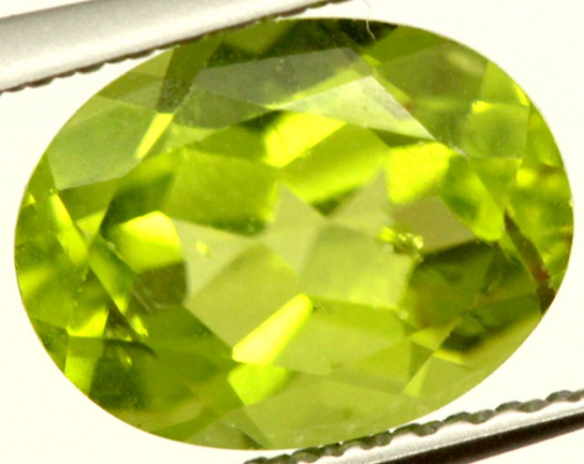 PERIDOT FACETED STONE 2.25 CTS PG-962
