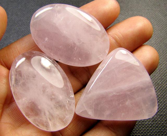 Rose quartz cabochon stones