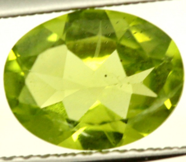 PERIDOT FACETED STONE 1.55 CTS PG-860