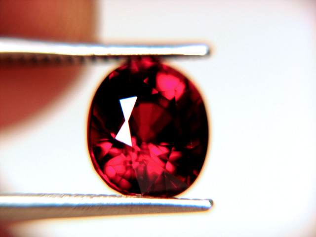 4.93 Carat Africa Spessartite - IF/VVS1 - Gorgeous.