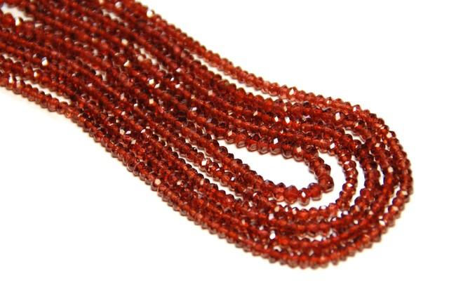 *NEW STOCK*  AAA MOZAMBIQUE GARNET beads 3-3.5mm 14