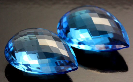 70 CTS DEEP BLUE TOPAZ PAIR - RARE -  VS  [B34824]