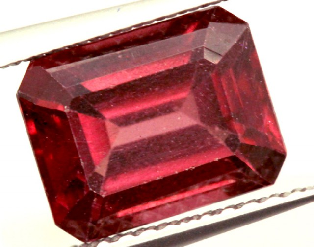 GARNET FACETED STONE 3 CTS PG-876