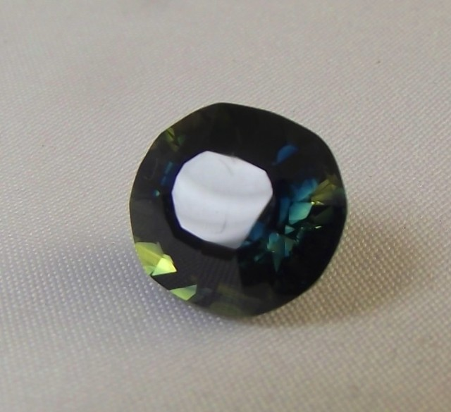 5.65ct Natural Sapphire mined in Queensland