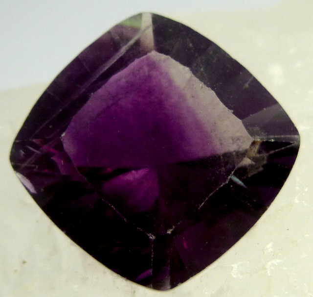 LARGE FLUROITE  BRIGHT VS  PURPLE HUES 24.35  CTS  RT 1123