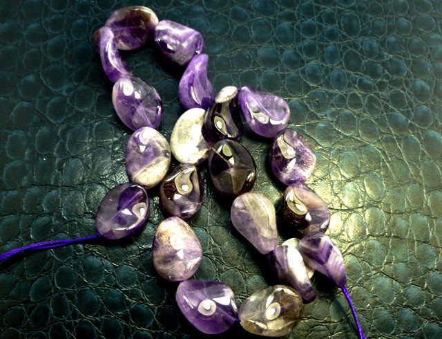 AMETHYST  BEAD STAND 265 CARATS RT1260