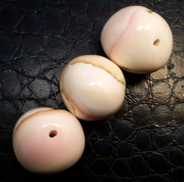 Parcel 3 Conch Shell Beads 199.85 carats RT 1360