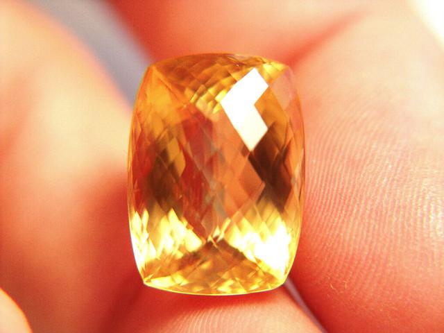 CERTIFIED - Super Soft, Super Pretty 26.52 Carat IF Calcite