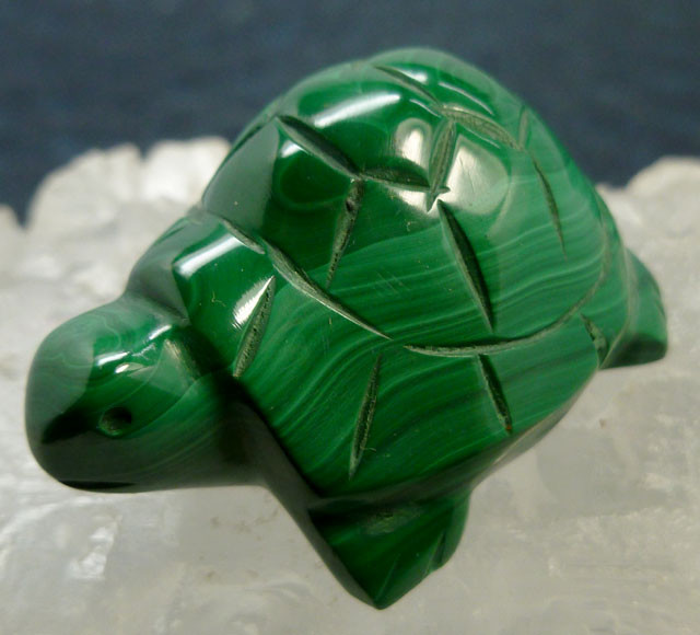 MALACHITE TURTLE CARVING 125.3 CARATS  RT 1646