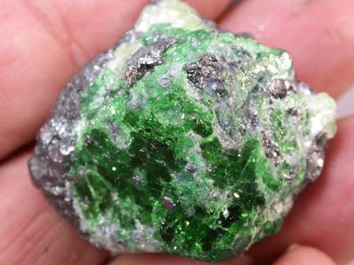 LARGE 164 CTS GREEN GROSSULAR SPECIMEN [MGW2006  ]