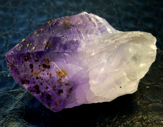 210 CTS  BRAZIL TERMINATED  AMETHYST POINTS   RT 2098