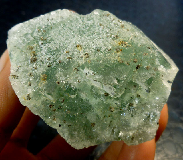 461 CTS FLUROITE SPECIMEN WITH PYRITE,CRYSTAL MS112