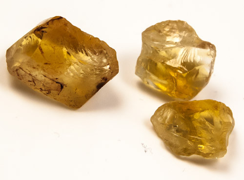 A GRADE CITRINE ROUGH NATURAL 33CTS JW-244