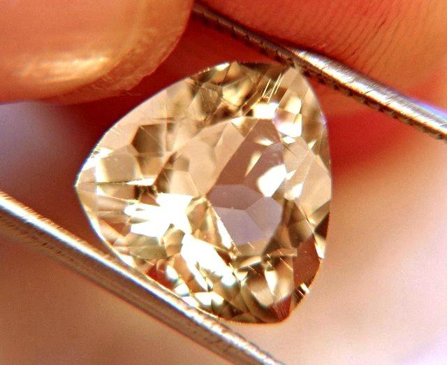 5.66 Carat VVS/VS Andesine Beauty - Gorgeous Gemstone