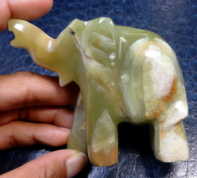 851 CTS ELEPHANT  ONYX CARVING MS 845