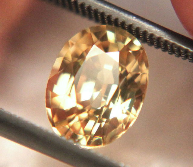 2.80 Carat VVS Gorgeous Yellow Zircon - Superb